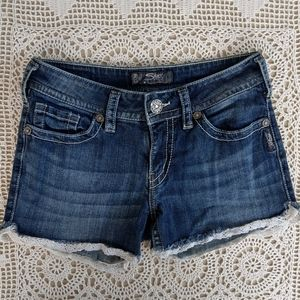 Silver Jeans Shorts Size 28
